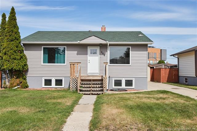 662 6 Street SW, 3 bed, 2 bath, at $249,900