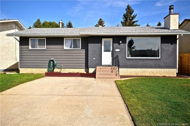 544 21 Street NE, 5 bed, 2 bath, at $269,900
