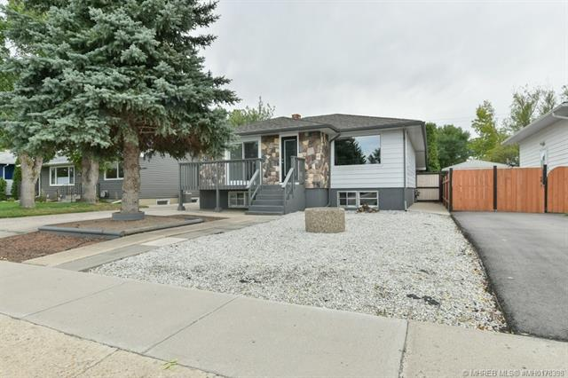 651 6 Street SW, 3 bed, 2 bath, at $269,900