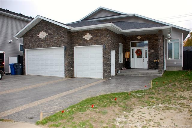 26 Somerset Cove SE, 4 bed, 4 bath, at $458,000