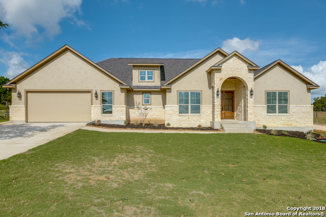 377 Lantana Crossing, 4 bed, 3 bath, at $445,999