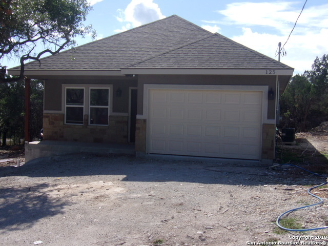 125 Lakeview Ct, 3 bed, 2 bath, at $199,500