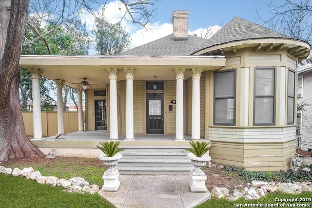 420 W Mistletoe Ave, 3 bed, 2 bath, at $299,000