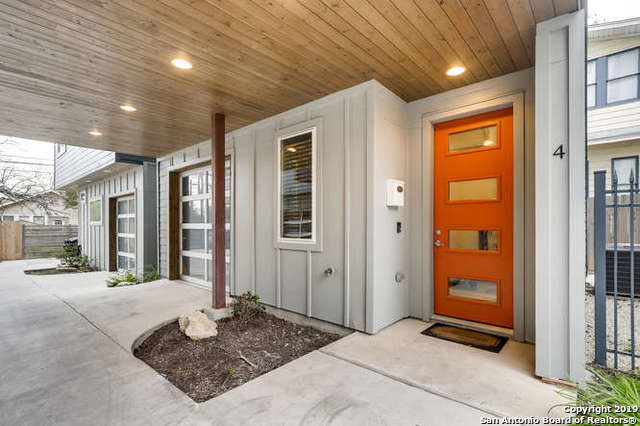 930 W Craig Pl 4, 2 bed, 4 bath, at $320,000
