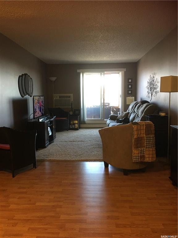 601 X Avenue #401, 2 bed, 1 bath, at $94,000
