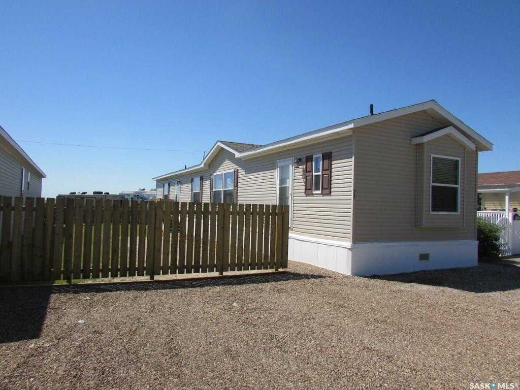 71 Golfview Mobile Acres, 3 bed, 2 bath, at $102,000