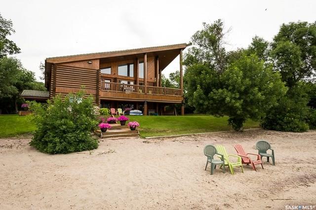 20 Greystone Bay, 8 bed, 4 bath, at $1,800,000