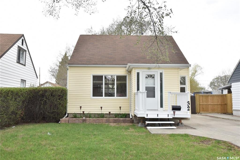 32 Ingersoll Crescent, 4 bed, 1 bath, at $264,900