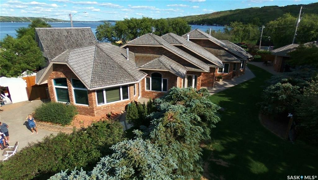 39 Lakeview Avenue, 3 bed, 3 bath, at $1,198,000