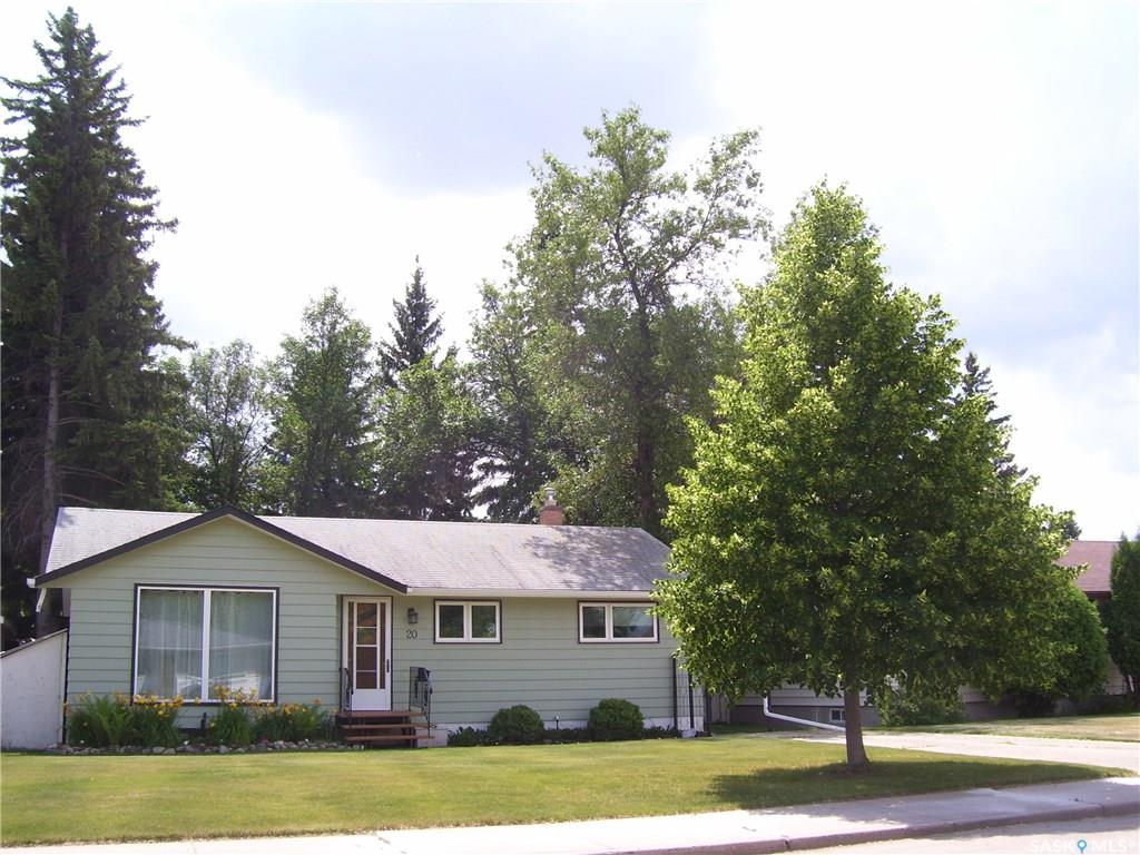 20 Leyden Crescent, 4 bed, 2 bath, at $319,900