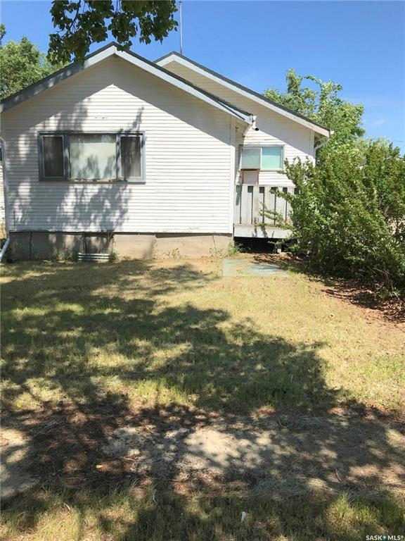 205 1st Avenue, 4 bed, 1 bath, at $49,900