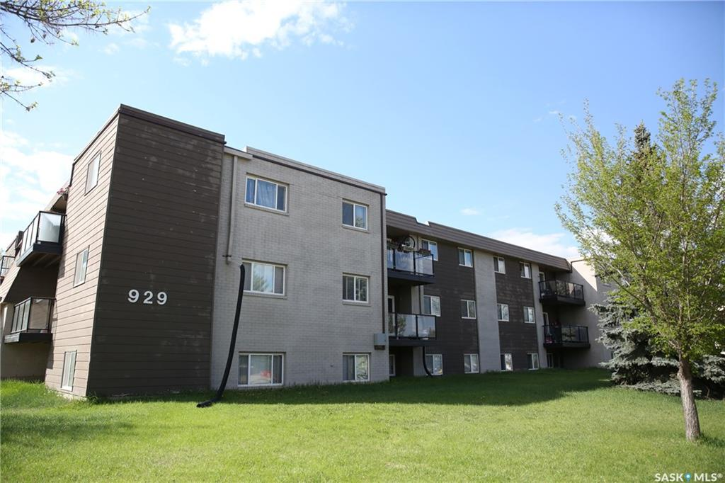 929 Northumberland Avenue #303, 2 bed, 1 bath, at $125,000