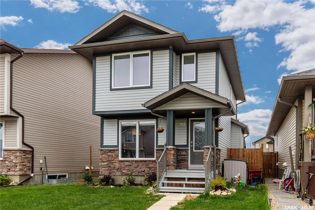 911 Glenview Cove, 3 bed, 2 bath, at $274,800