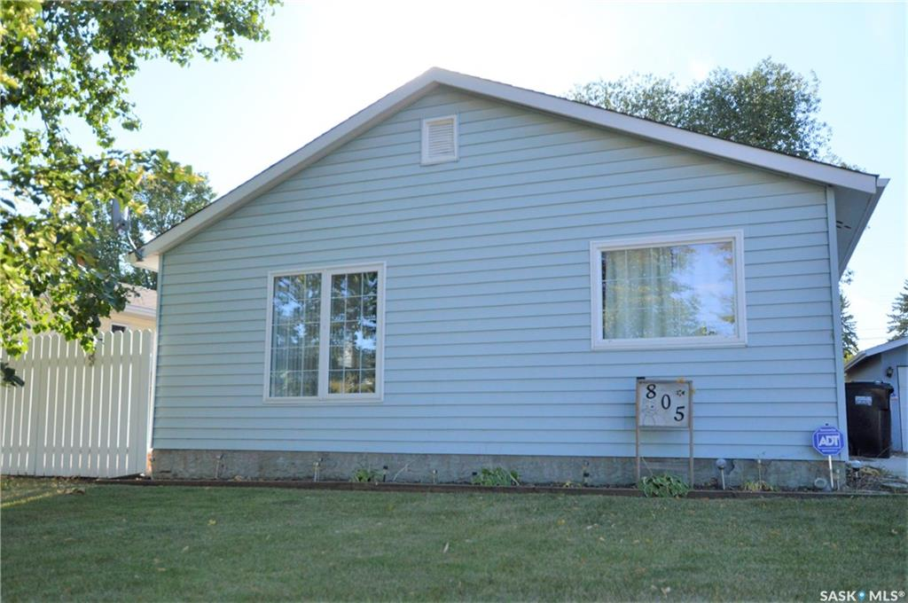 805 S Avenue, 3 bed, 1 bath, at $205,900