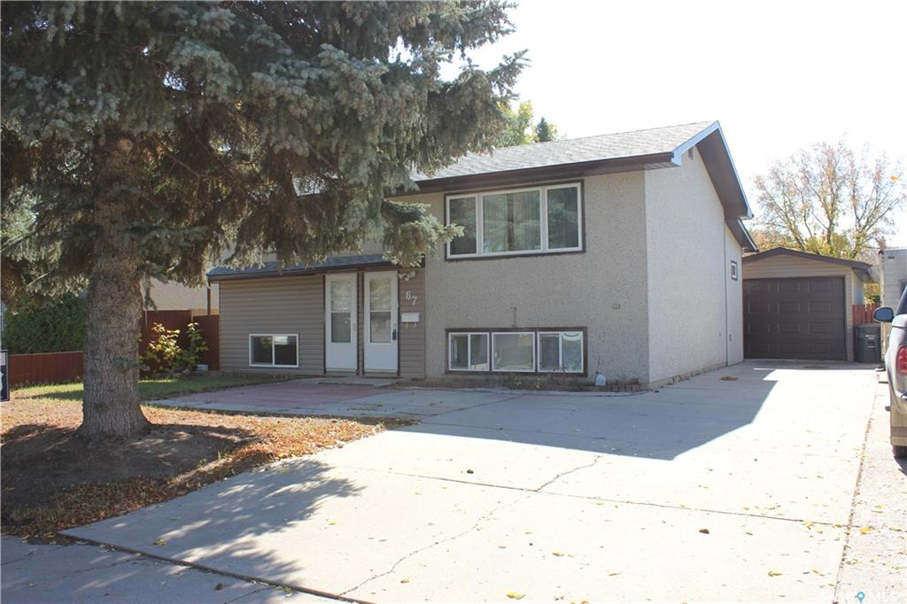 67 Wentworth Crescent, 3 bed, 2 bath, at $275,000