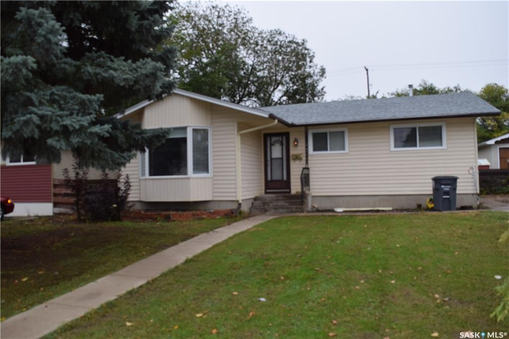36 Mackie Crescent, 5 bed, 2 bath, at $269,000