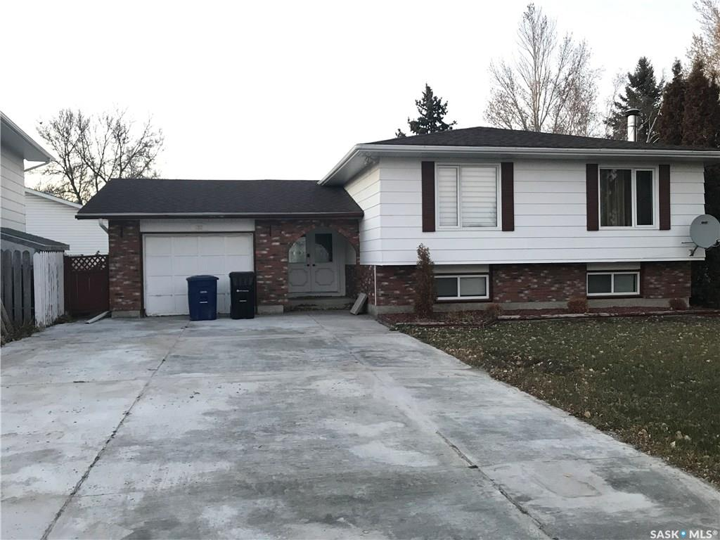 137 Guelph Crescent, 5 bed, 3 bath, at $359,900