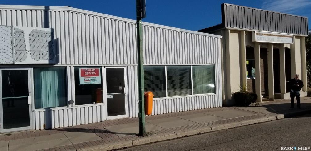 104 Saskatchewan Avenue, at $12