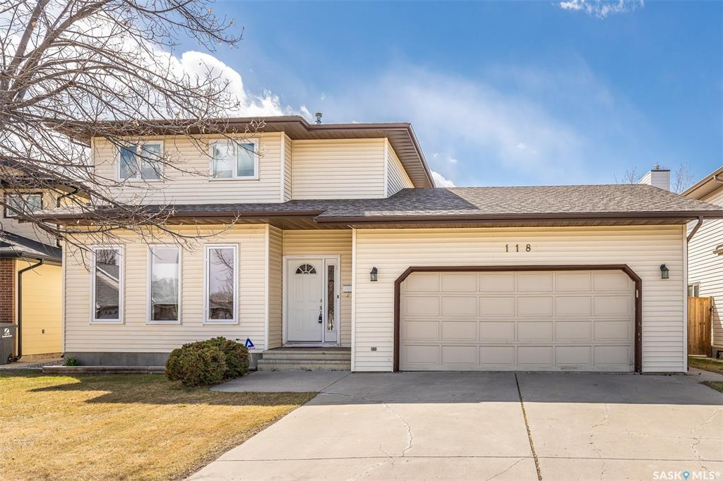118 Mulcaster Crescent, 4 bed, 3 bath, at $425,800
