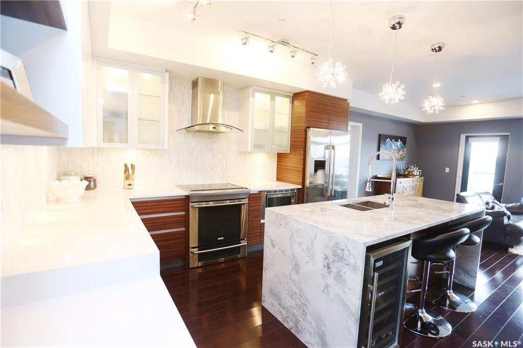 922 Broadway Avenue #504, 2 bed, 2 bath, at $550,000