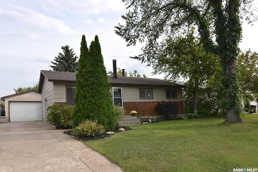 28 Marlborough Crescent, 5 bed, 2 bath, at $291,900