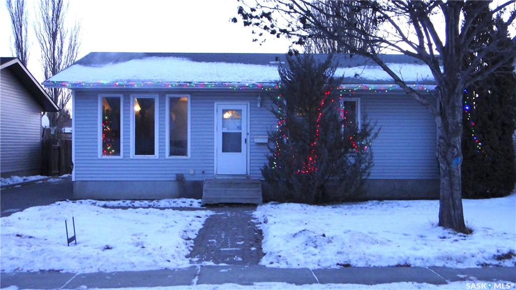 219 Stacey Crescent, 3 bed, 2 bath, at $279,900