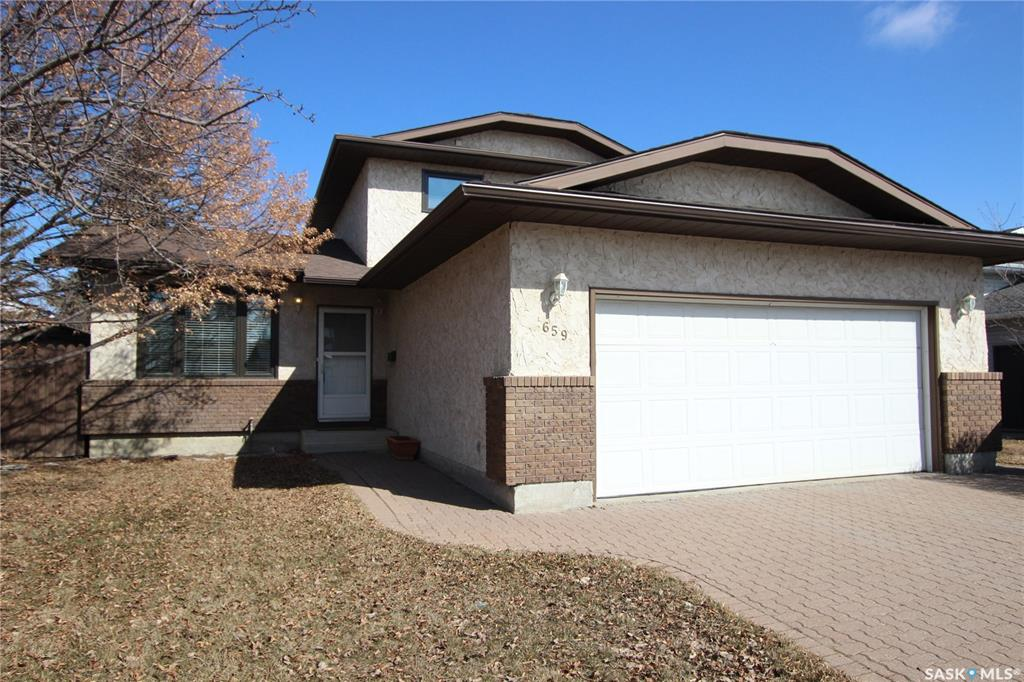 659 Brightsand Crescent, 3 bed, 4 bath, at $399,900