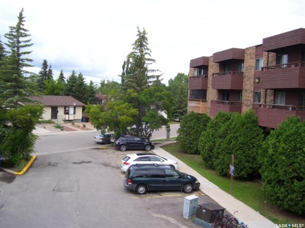 802 B Kingsmere Boulevard #403, 1 bed, 1 bath, at $99,900