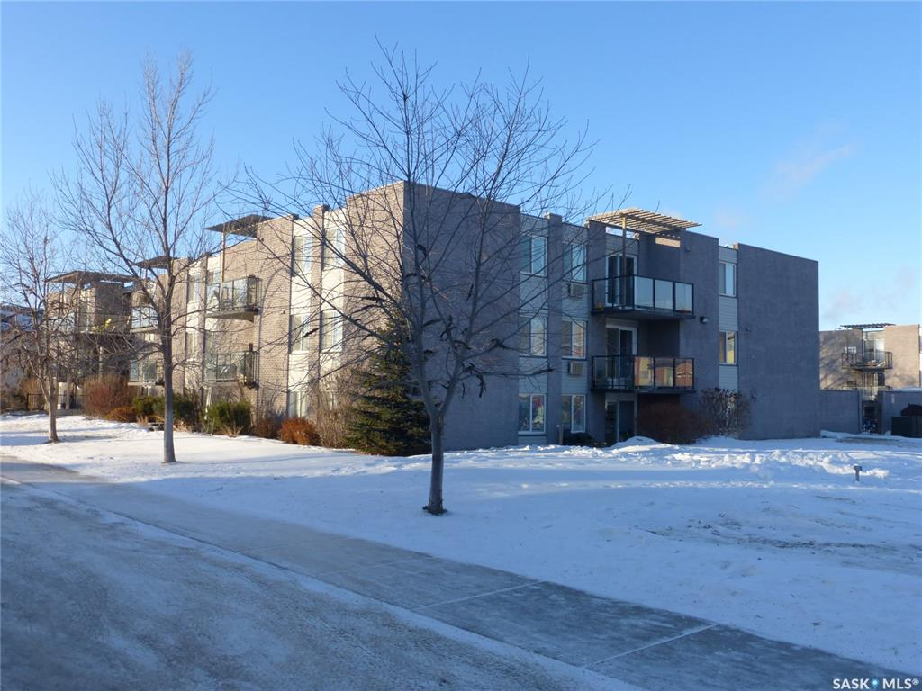 315 East Place #37, 2 bed, 1 bath, at $188,900