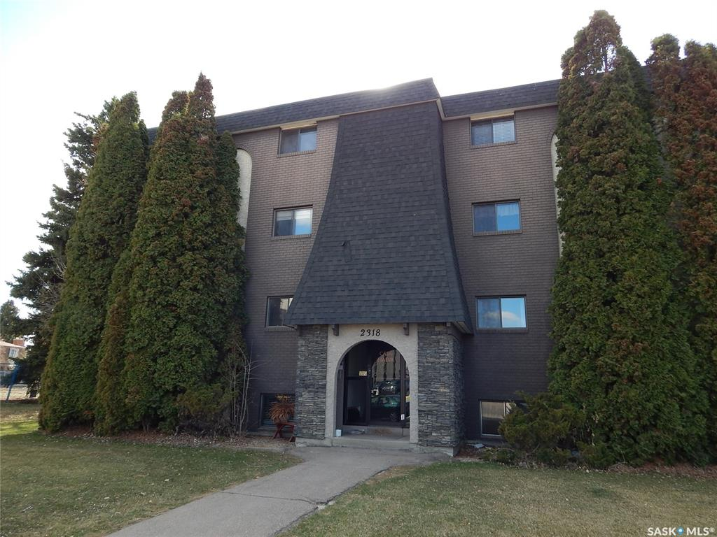 2318 Arlington Avenue #405, 2 bed, 1 bath, at $144,900