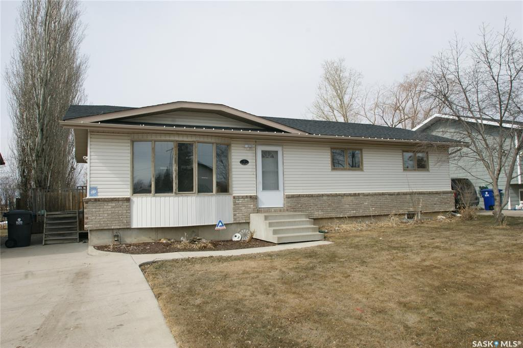 407 King Avenue, 5 bed, 3 bath, at $309,900