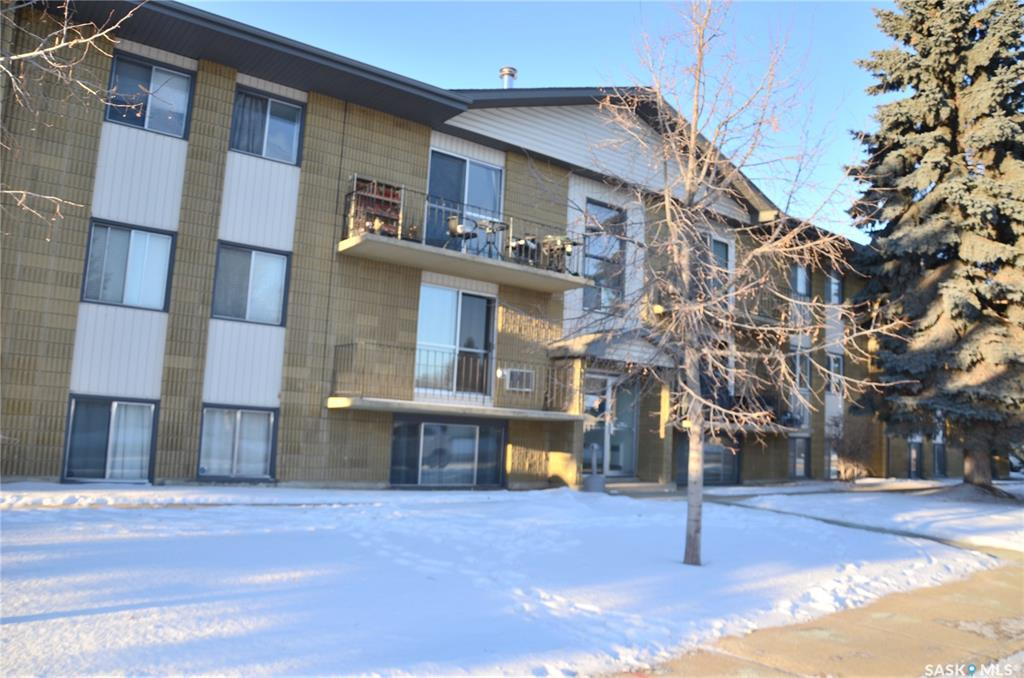 111 St Lawrence Crescent #26, 1 bed, 1 bath, at $109,900