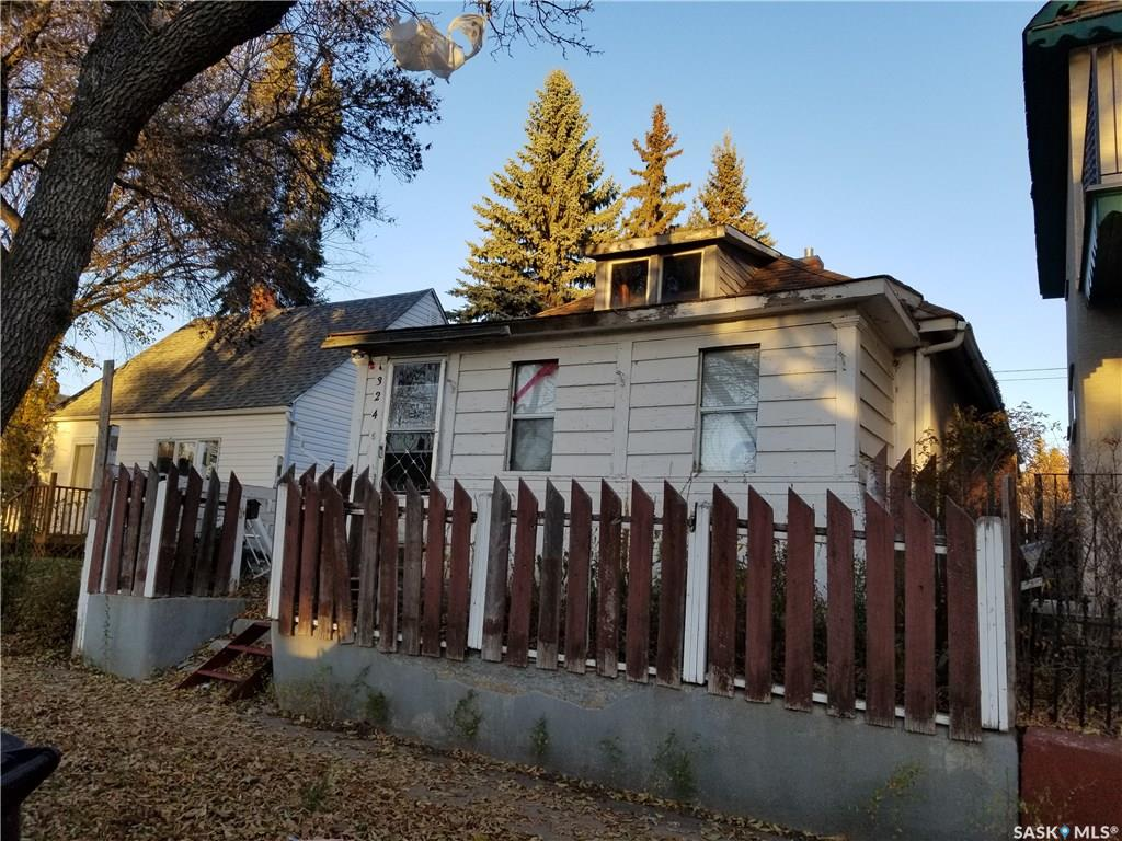 324 J Avenue, 1 bed, 1 bath, at $128,000