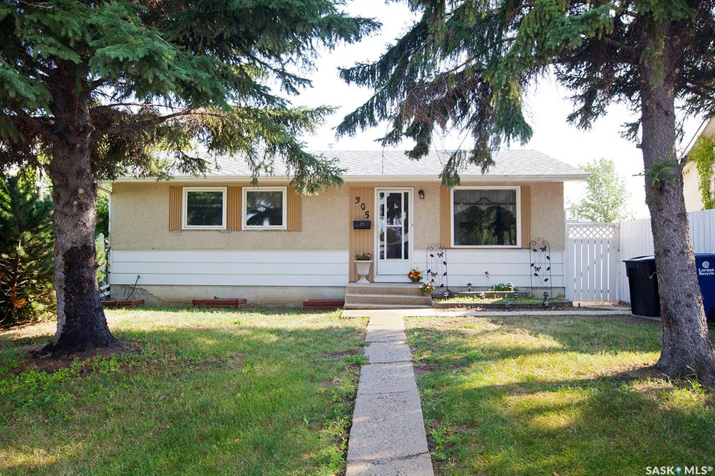 305 Lloyd Crescent, 3 bed, 2 bath, at $245,000