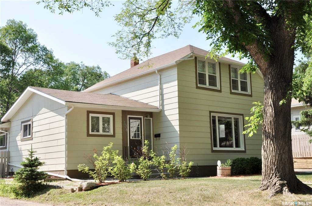 308 Munroe Avenue, 3 bed, 4 bath, at $439,500