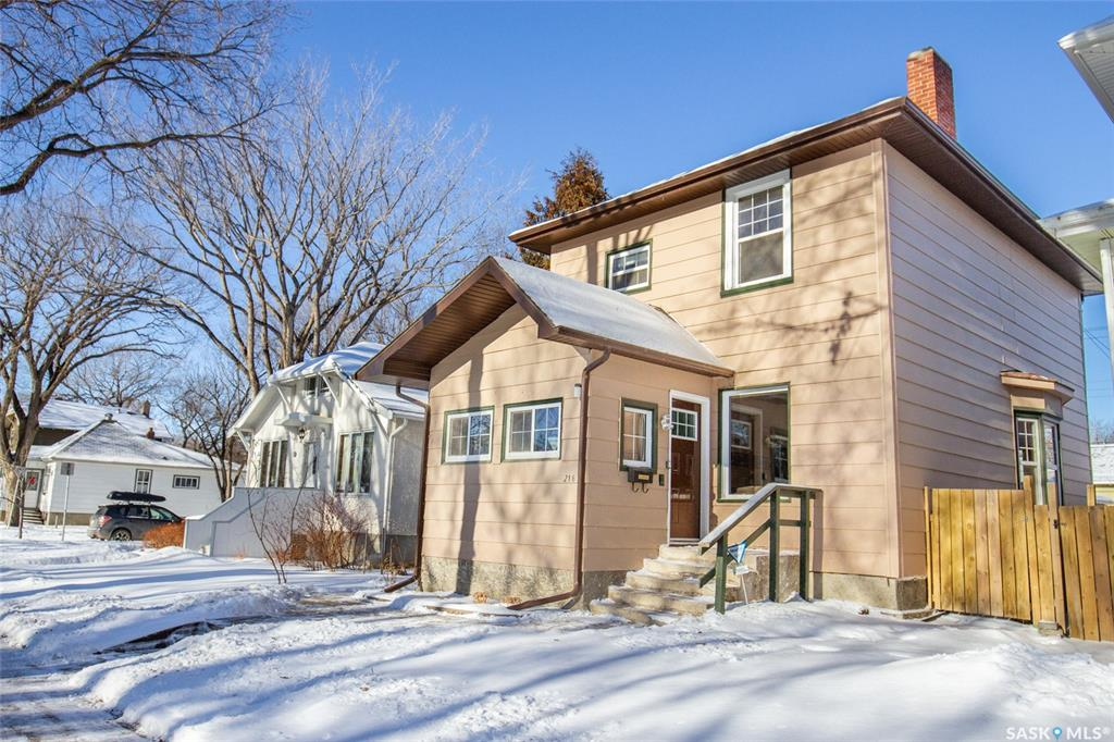 216 32nd Street, 3 bed, 1 bath, at $274,000