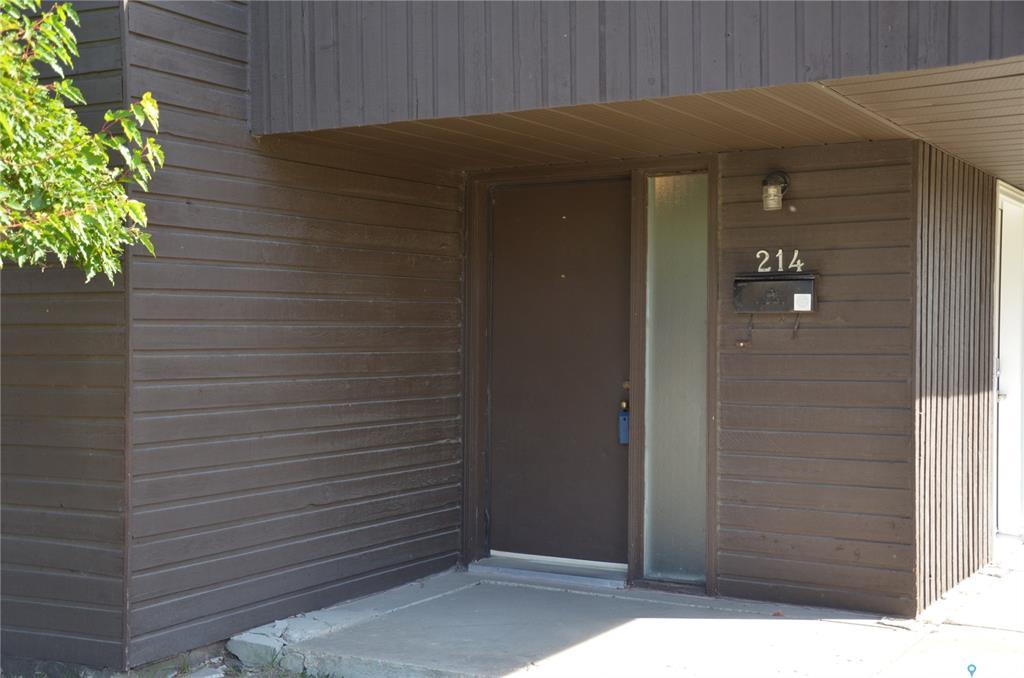 425 115th Street #214, 3 bed, 2 bath, at $220,000