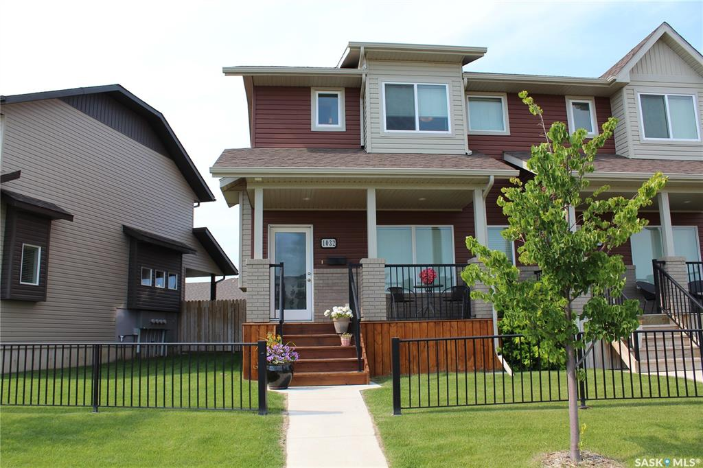1032 Willowgrove Crescent, 2 bed, 3 bath, at $319,900