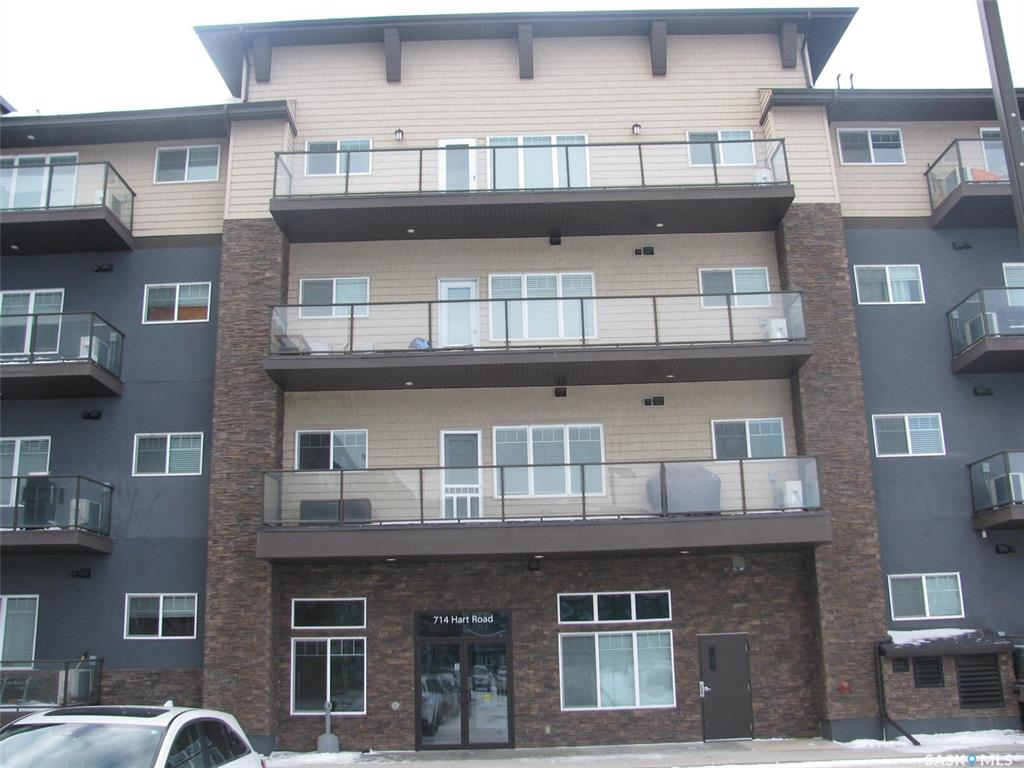 714 Hart Road #408, 1 bed, 1 bath, at $163,000