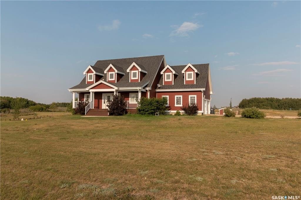 Stang Acreage, 5 bed, 4 bath, at $684,900