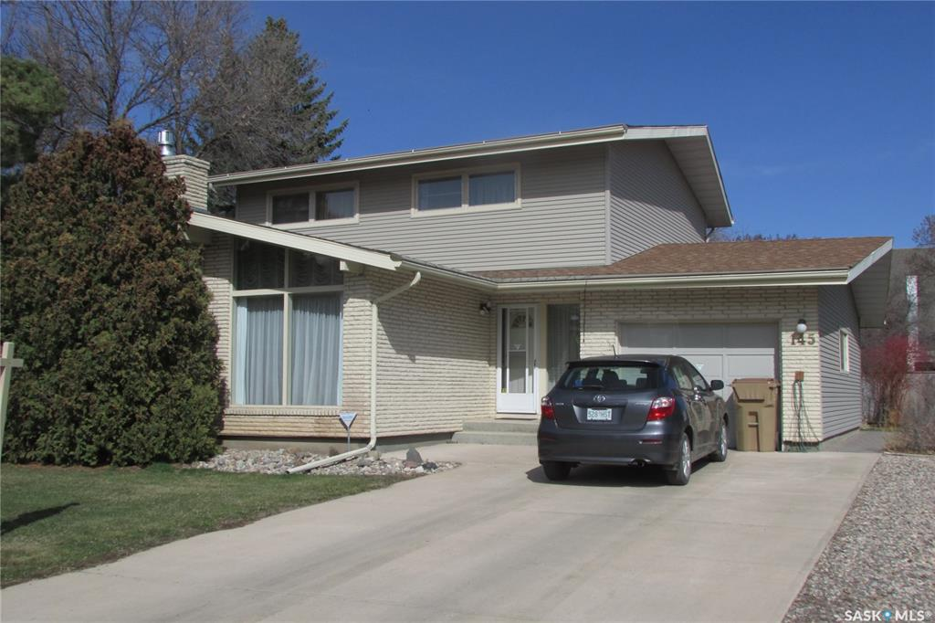 145 Mayfair Crescent, 4 bed, 2 bath, at $385,000