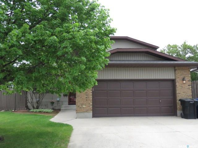 127 Armstrong Crescent, 4 bed, 3 bath, at $399,900
