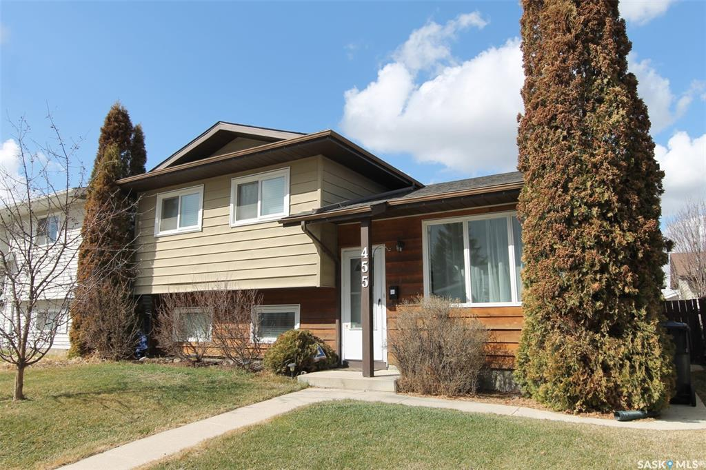 455 Whelan Crescent, 3 bed, 2 bath, at $339,900