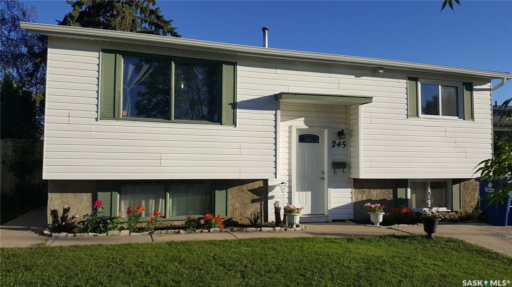 245 Mowat Crescent, 3 bed, 2 bath, at $249,900