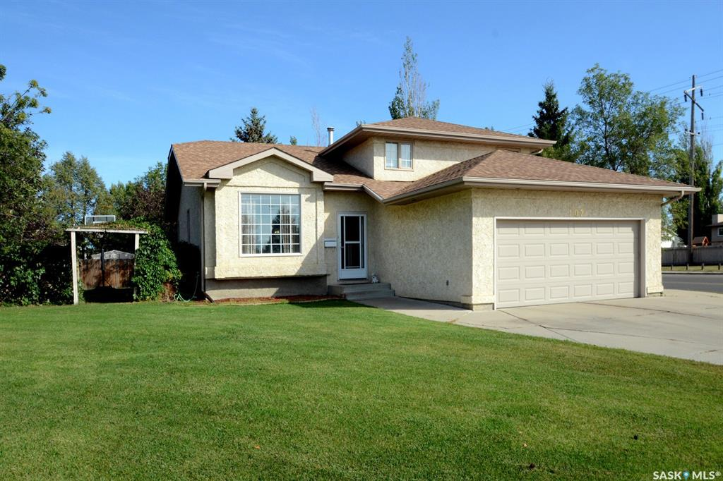 102 Staigh Crescent, 4 bed, 3 bath, at $418,900