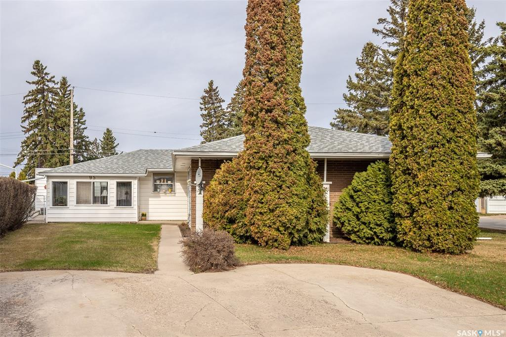 95 Oneil Crescent, 3 bed, 4 bath, at $399,000