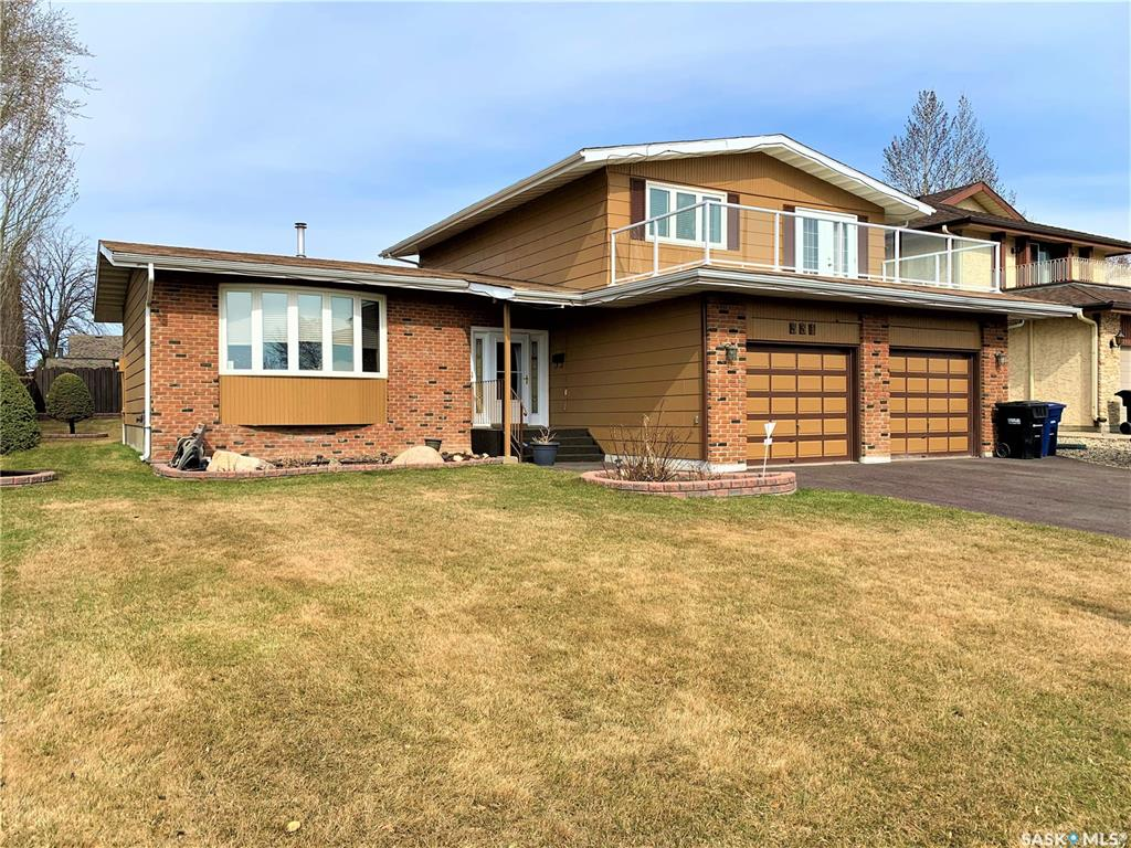 331 Whiteswan Drive, 5 bed, 4 bath, at $644,900