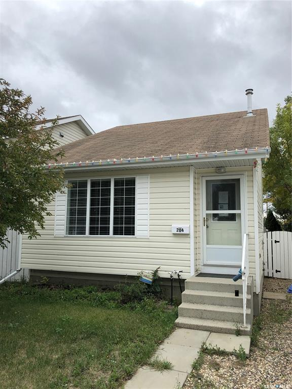 204 Lochrie Crescent, 3 bed, 2 bath, at $194,900