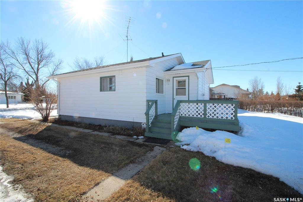 306 2nd Street S, 2 bed, 1 bath, at $49,900