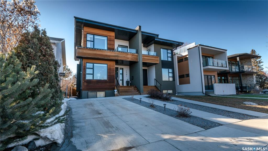1541 Spadina Crescent, 4 bed, 4 bath, at $874,900